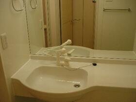 サンファースト B 105号室の洗面所