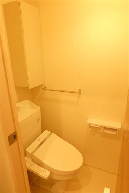 Royal Wit E 105号室のトイレ