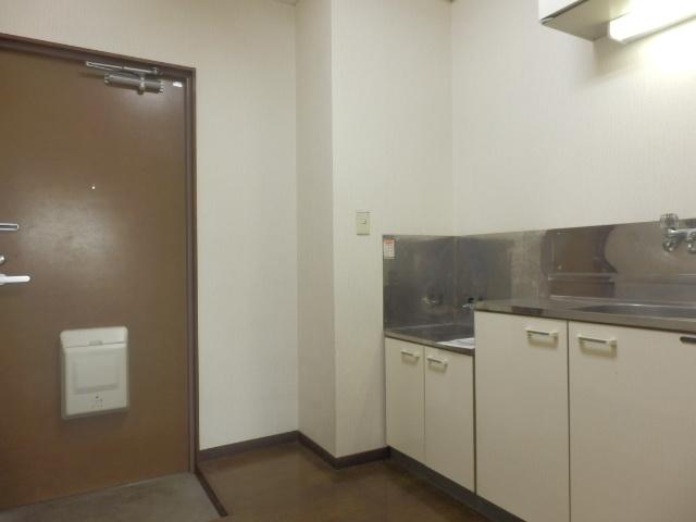 グランドォール宇都宮Ⅱ 202号室のキッチン