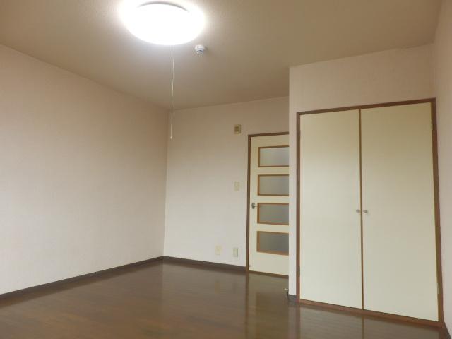グランドォール宇都宮Ⅱ 202号室のベッドルーム