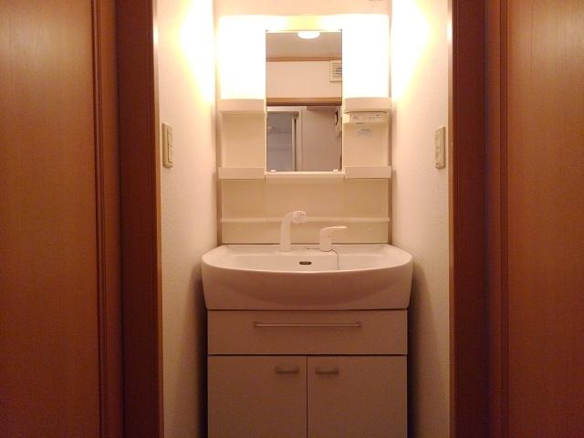 ブリーズ I 02010号室の収納