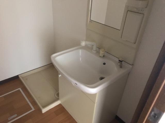 ヴァンベールⅠ 102号室の洗面所