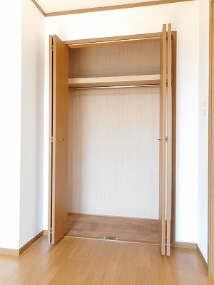 サンラフレ 02020号室の収納