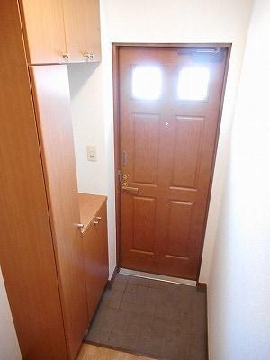 サンラフレ 02020号室の玄関