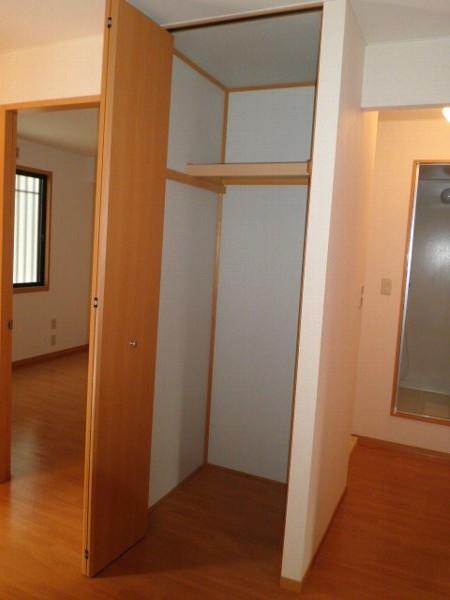 グリーンフラットC 102号室の収納