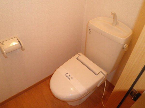 グリーンフラットC 102号室のトイレ