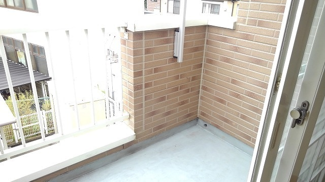 ライフサークルパート13 02010号室のバルコニー