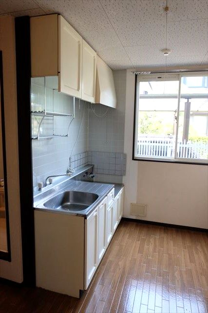 レスポワール小山 101号室のキッチン