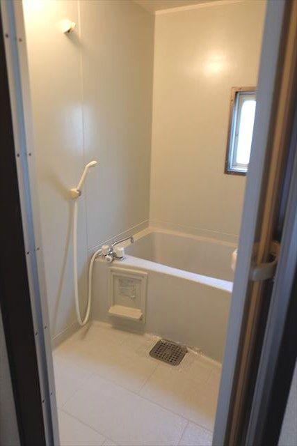 レスポワール小山 101号室の風呂
