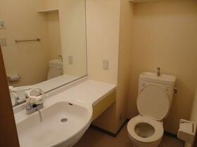 フラレアII 102号室のトイレ