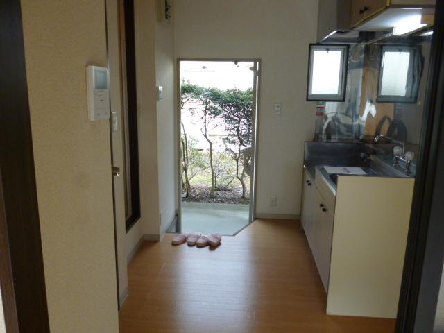 ハイツセイフA 101号室の玄関