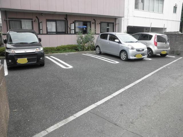 サンライズ 03020号室の駐車場