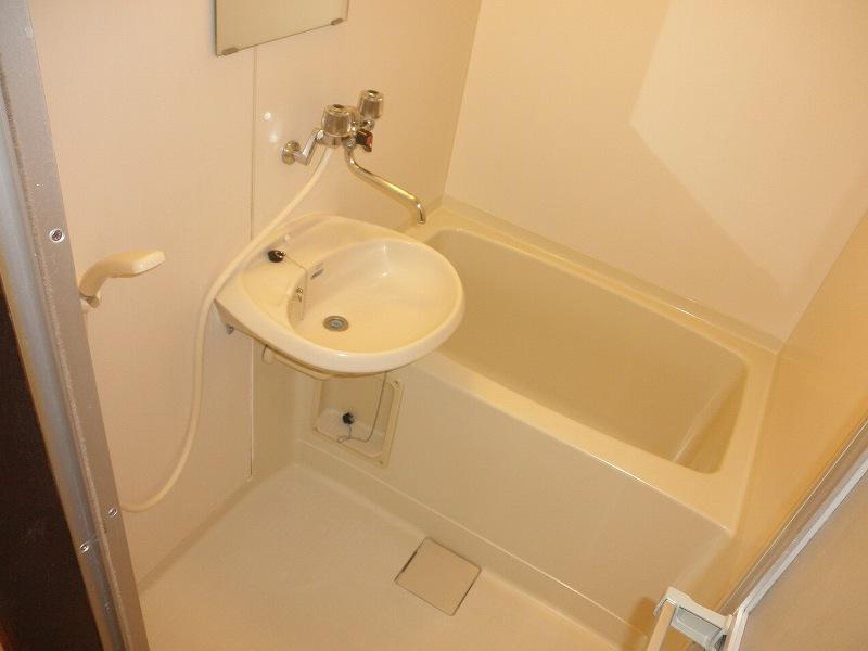 おおつきシティハイツ 02020号室の風呂