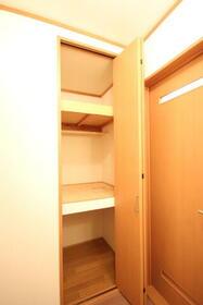 ブルーセントラルA棟 103号室の収納