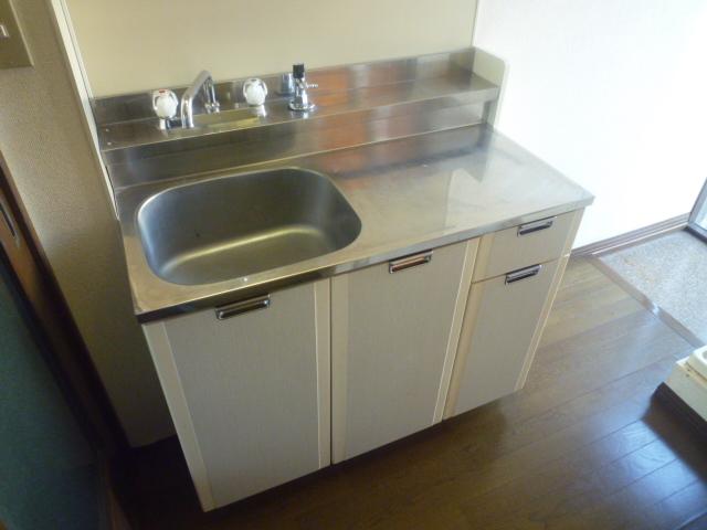 シティハイムレイソル 102号室のキッチン