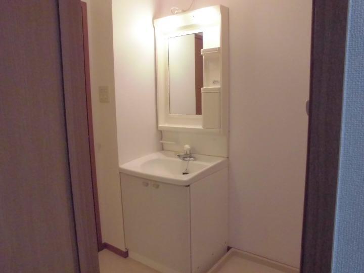 メゾンドエスパス 01020号室の玄関