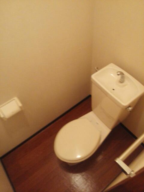 ヒルズ鶴見D 02020号室の洗面所