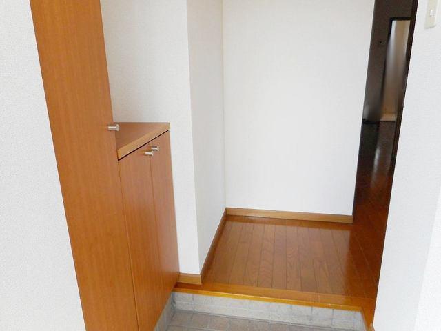 クレセールおおつ野A 01020号室の玄関