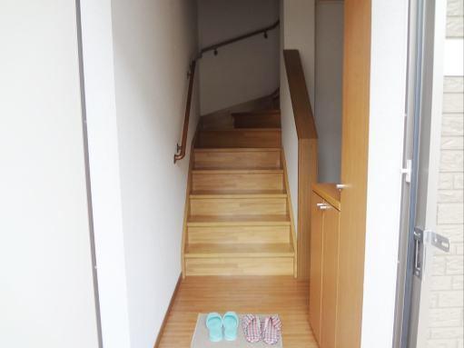 ジョワイユー・ファミーユ 02040号室の玄関
