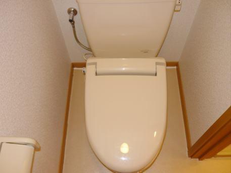ジョワイユー・ファミーユ 02040号室のトイレ