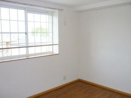 ジョワイユー・ファミーユ 02040号室の居室