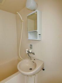 コーポ縞 A106号室の洗面所