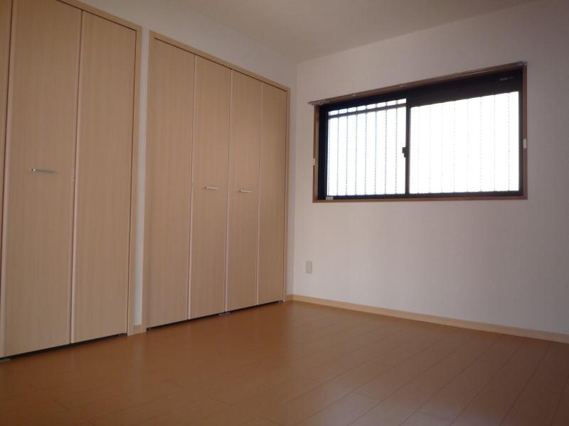 ポートサーパス 02040号室の居室