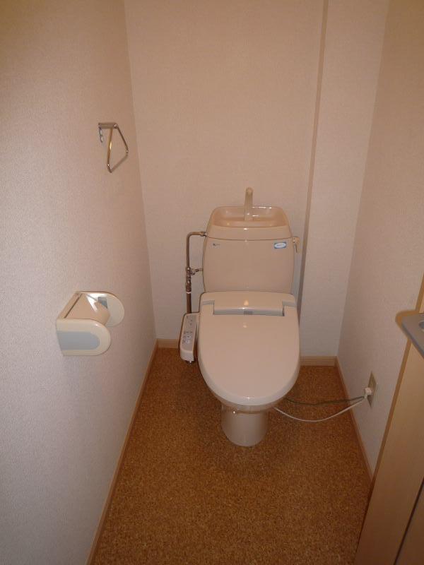 ポートサーパス 02040号室のトイレ