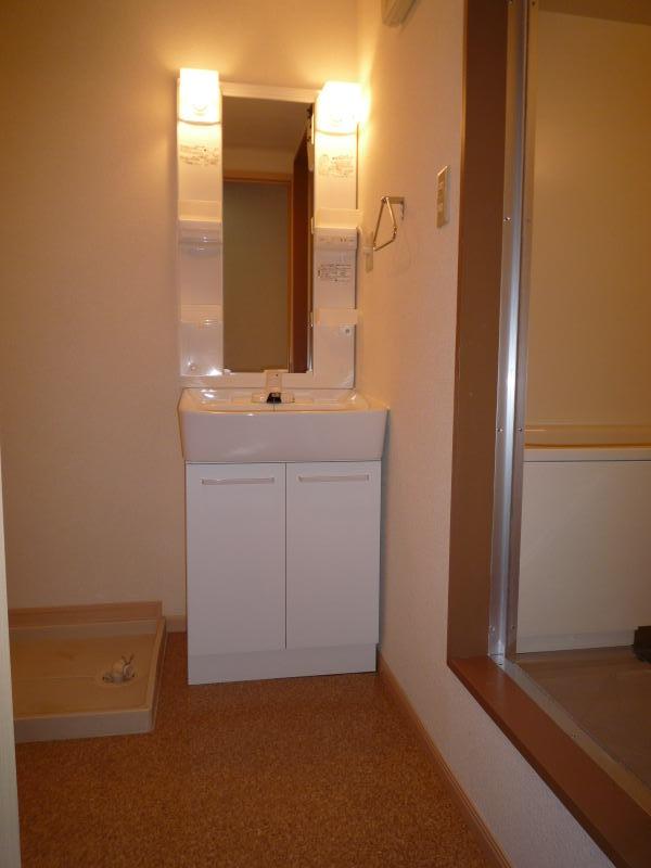 ポートサーパス 02040号室の洗面所