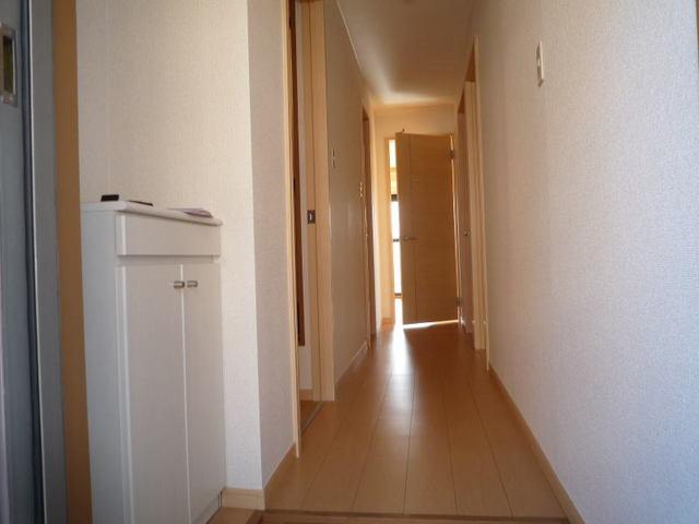 ポートサーパス 02040号室の玄関
