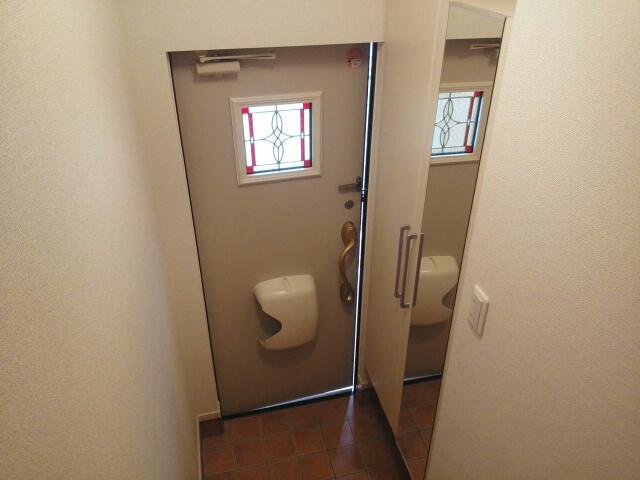アルカンシェルカンダツアルファ 02060号室の玄関