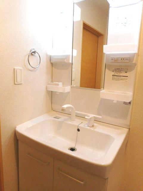 フィオーレ・M 02030号室の収納