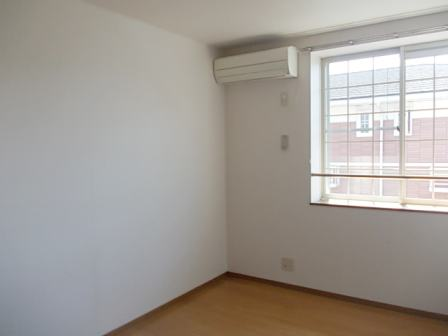 ボヌール・ジョア 02030号室の居室