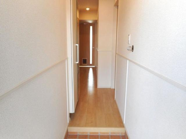 アイランドヒルズ学園 Ⅰ 01040号室の玄関