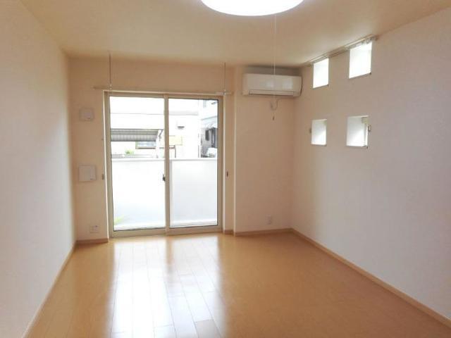 プレ・アビタシオン土浦Ⅳ 01030号室のリビング