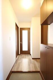マーキュリーハイツE棟 201号室の玄関
