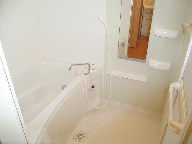 メルヴェールナカムラ壱番館 02040号室の風呂