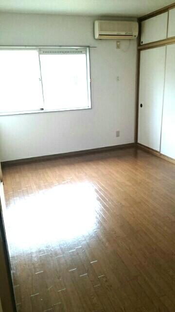 サクラハイムC 01010号室の居室