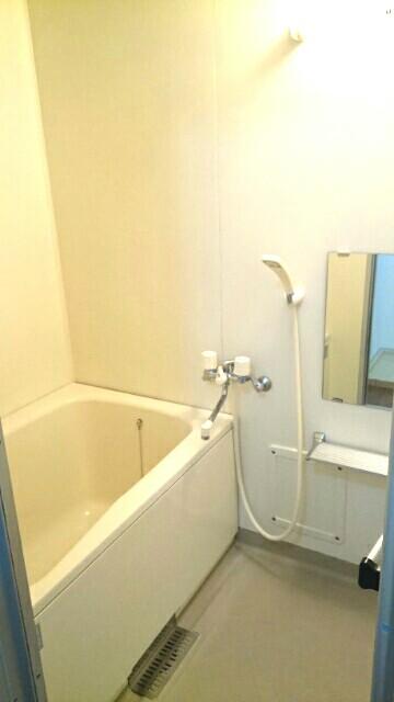 サクラハイムC 01010号室の風呂