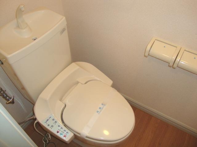 クリスタルハイツA 202号室のトイレ