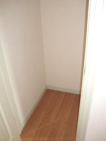 クリスタルハイツA 202号室の収納