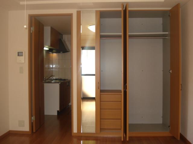 アメニティハイツK 103号室の収納