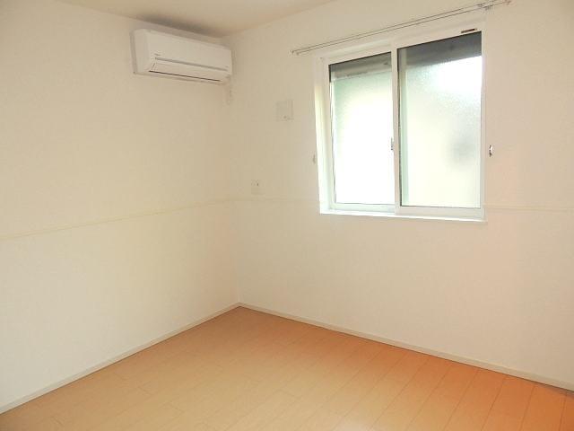アイフィールドⅠ番館 01010号室の居室