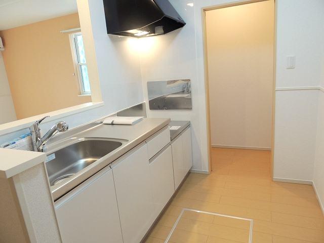 アイフィールドⅠ番館 01010号室のキッチン