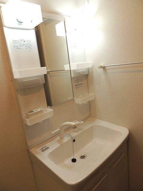 アイフィールドⅠ番館 01010号室の洗面所