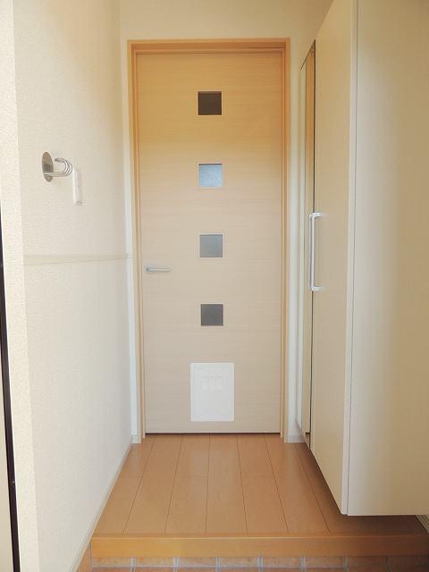 アイフィールドⅠ番館 01010号室の玄関