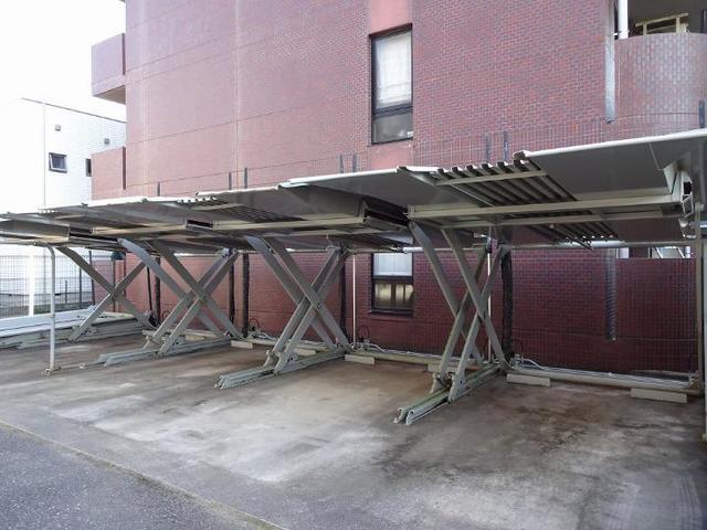 木村ロイヤルマンション4 04040号室の駐車場