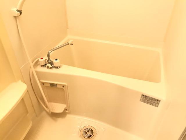 ヴィンテージ 202号室の風呂