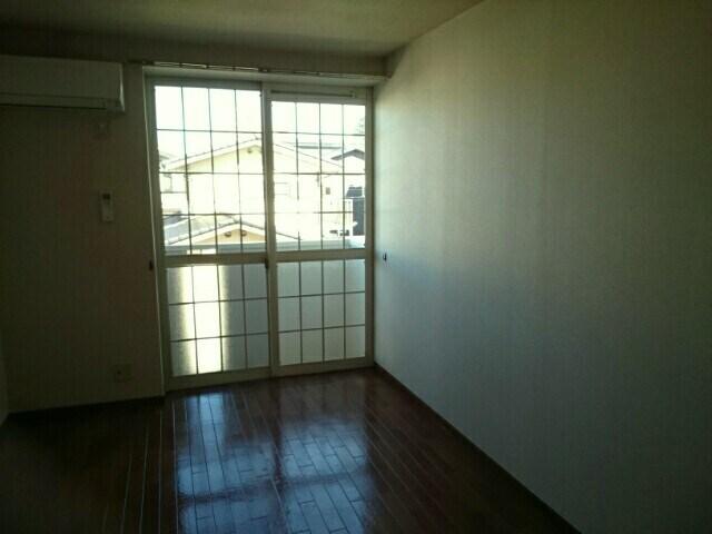 エンブレイス 02030号室のリビング