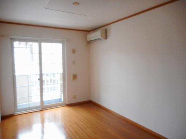 アンジュ・パル 01020号室のリビング